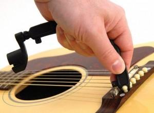 Замена струн на акустической гитаре