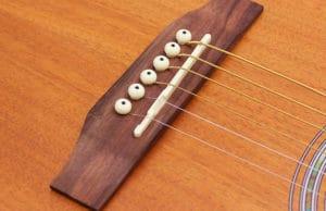 нижний порожек эстрадной гитары