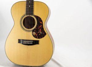 Гитара из массива ели