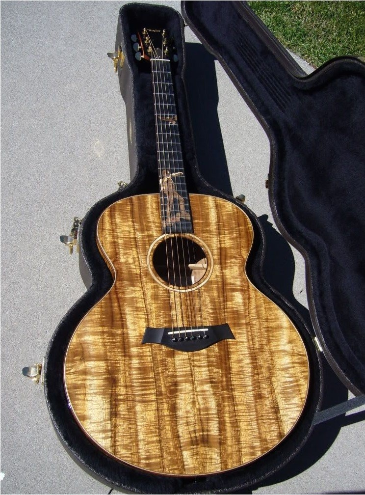 Форма корпуса гитары джамбо