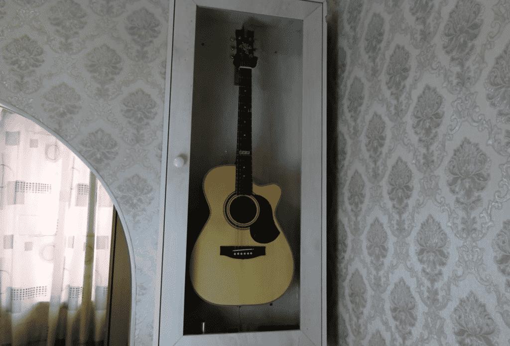 Шкаф для хранения гитары